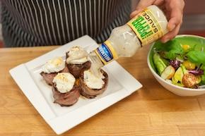 Grillowane steki z polędwicy z szynką suszoną, figami, serem kozim i sosem pieprzowym – krok 5