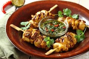 Grillowane szaszłyki z kurczaka w sosie Chimichurri