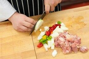 Gulasz węgierski z kurczakiem – krok 1