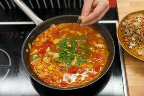 Gulasz węgierski z kurczakiem – krok 4