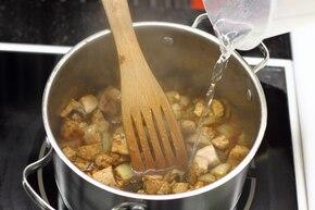 Gulasz wieprzowy ze śmietaną – krok 4