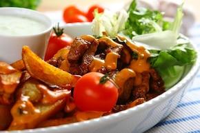 Gyros z sosem ziołowo-paprykowym