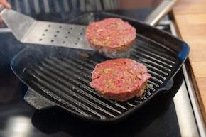 Hamburger z pomidorową salsą – krok 1