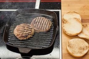 Hamburgery w glazurze  – krok 2