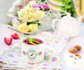 Herbata z truskawkami i cytryną
