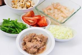 Hiszpańska sałatka ryżowa – krok 2
