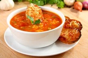 Zupa pomidorowa po hiszpańsku