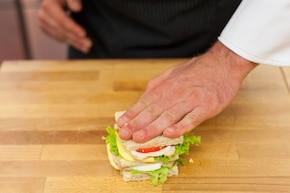 Imprezowe mini kanapki klubowe – krok 4