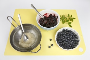 Sernik z jagodami na zimno – krok 4