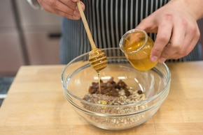 Jogurt z granolą – krok 1