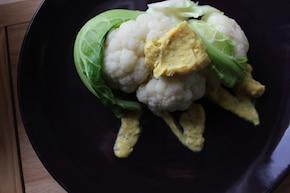 Kalafior z sosem ziołowo - jajecznym