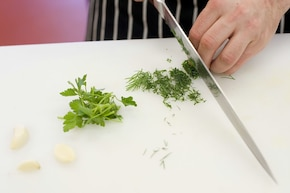 Sałatka z kalafiorem i koperkiem – krok 2