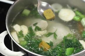 Zupa kalafiorowa z kurczakiem – krok 3