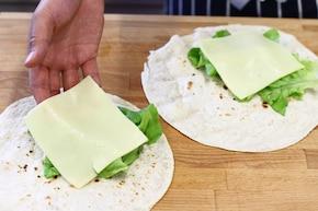 Kanapka wrap z warzywami – krok 1