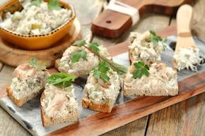 Kanapki z pastą serowo-rybną