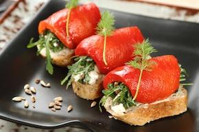 Kanapki z pieczoną papryką i anchois