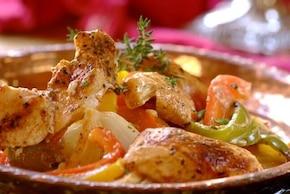 Kawałki kurczaka z warzywami