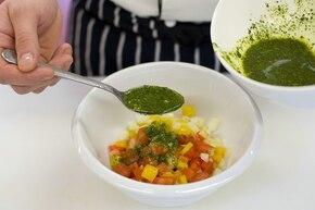 Kolorowa sałatka warzywna – krok 3