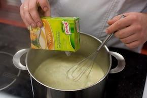 Krem serowy z ziarnami bobu – krok 3