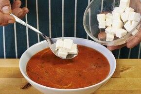 Krem z pomidorów z mozzarellą i bazylią z paluszkiem grissini – krok 4