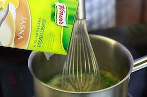 Krem z sałaty ze szczypiorkiem – krok 4