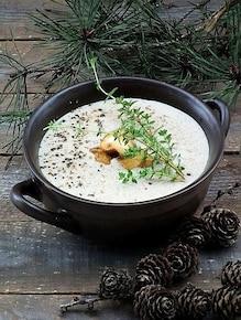 Kremowa zupa z portobello i ziołami