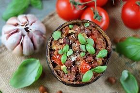 Bakłażan faszerowany karmelizowanymi pomidorami i ciecierzycą – krok 5