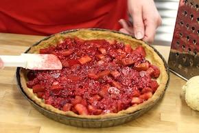 Tarta z rabarbarem i malinami – krok 4