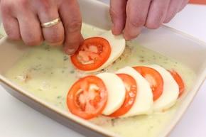 """Kurczak """"caprese"""" z mozzarellą i pomidorami – krok 5"""