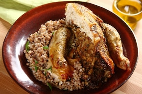 Kurczak faszerowany pieczarkami z lubczykiem
