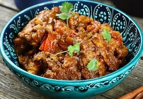 Kurczak w delikatnym sosie curry