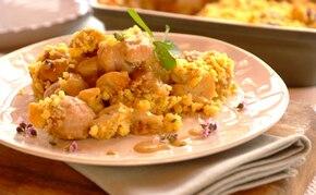 Kurczak z grzybami i ziołową kruszonką