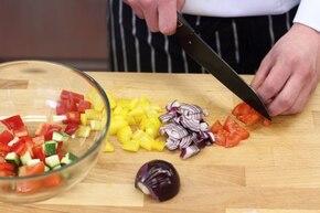 Łatwa sałatka grecka  – krok 1