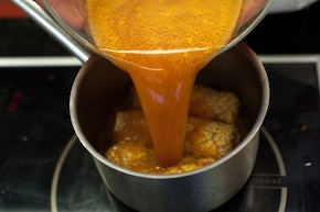 Gołąbki z młodej kapusty w sosie pomidorowym – krok 5