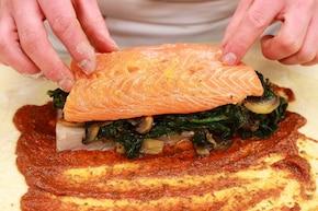 Rolada ze szpinakiem i łososiem – krok 4