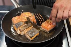 Łosoś saute z musem warzywnym  – krok 4