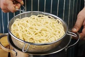Makaron Bolognese z czosnkiem    – krok 1