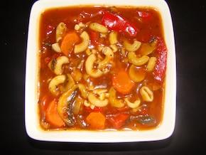 Makaron na ciepło z warzywami