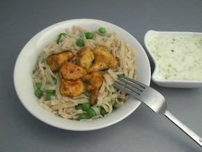 Makaron z groszkiem i kurczakiem