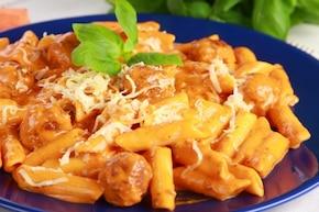 Makaron z pulpecikami i sosem pomidorowym   – krok 6