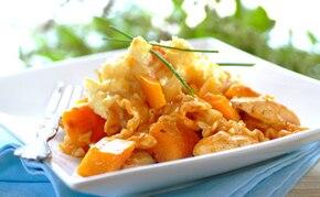 Makaron z serem feta, kurczakiem i dynią