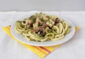 Makaron z tofu i sosem grzybowym