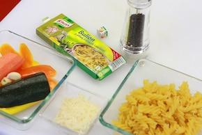 Makaron z warzywami i parmezanem – krok 2