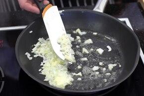 Marchewka z groszkiem w kremowym sosie curry   – krok 2
