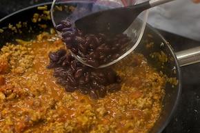 Meksykańskie nachos z chilli con carne – krok 3