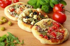 Mini pizza trzy różne smaki - VIDEO – krok 6
