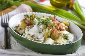 Młode ziemniaki z kwaśną śmietaną