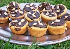 Muffiny makowo-pomarańczowe z musem jabłkowym i czekoladą