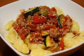 Muszelki z sosem mięsno-warzywnym