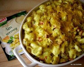 Muszelki zapiekane w sosie serowym